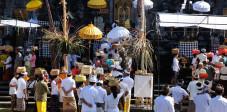 Zeremonie in Tempel auf Bali