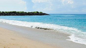 Strand der kleinen Nusa Ceningan