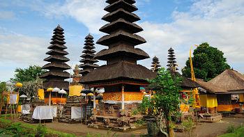 11 stöckiger Meru im Mengwi Tempel, Bali