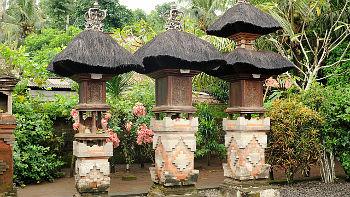 Ahnenschrein in Privathaus auf Bali