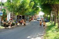 Kinder in Amed, Bali