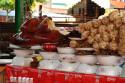 Spanferkel auf Markt in Denpasar, Bali
