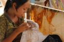 Batikarbeiterin in Batubulan, Bali