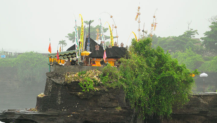 Batu Bolong Tempel bei Tanah Lot, Bali