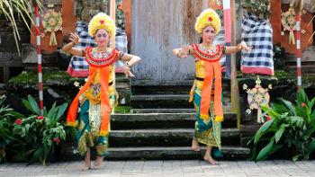 Legong Tänzerinnen auf Bali