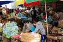 Opfergaben auf Markt in Denpasar, Bali