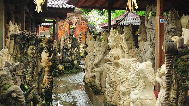 Steinmetz in Batubulan, Bali