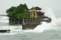 Flut im Tempel Tanah Lot, Bali