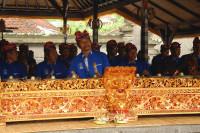 Gamelanorchester im Tempel Tanah Lot, Bali