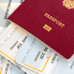 Bild von Pass mit Reiseunterlagen
